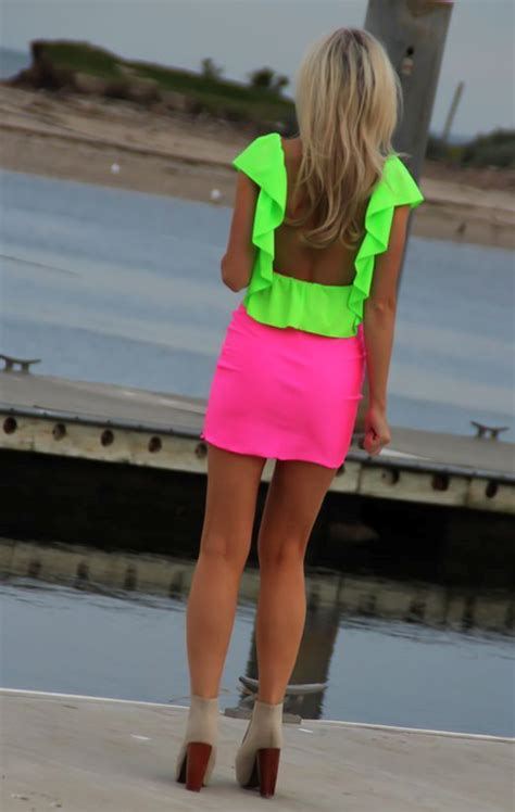 cool neon outfit ideas