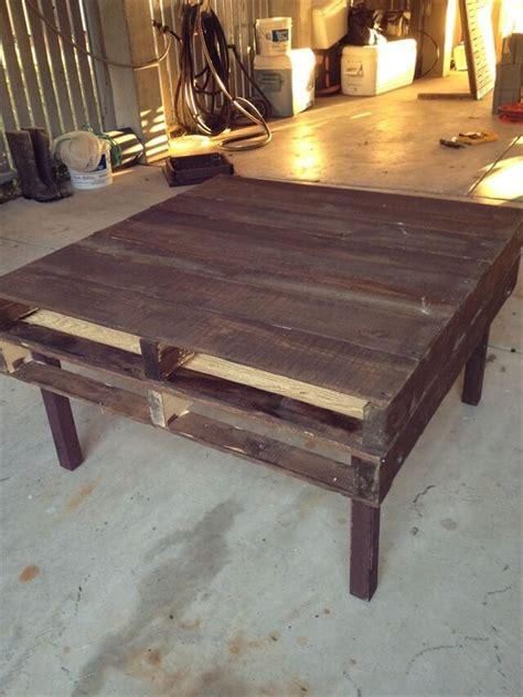 how to build a coffee table diy tutorials diy how to build a pallet coffee table 99