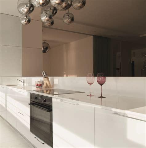 credence en verre cuisine crédence de cuisine miroir sur mesure