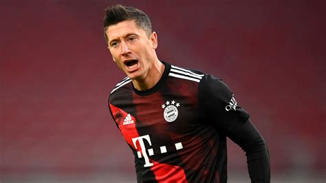 'Lewandowski is the most complete player in world football ...