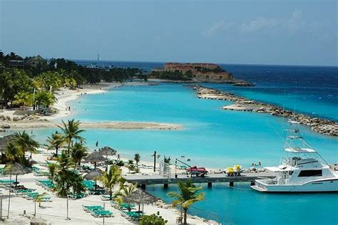 Curacao Island White Sand And Blue Water Paradise