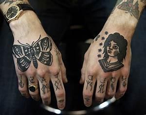 Tatouage Sur Doigt : 1001 designs de tatouage papillon pharamineux ~ Melissatoandfro.com Idées de Décoration