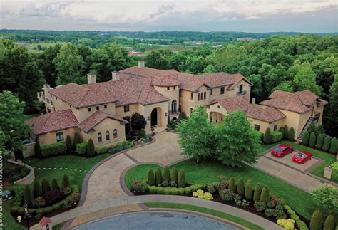 square foot mansion  fayetteville arkansas homes   rich
