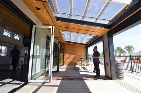 modern prefab reflect home  windows  double