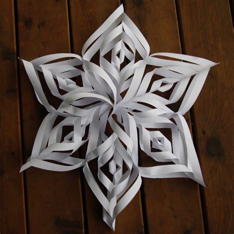 passengers on a spaceship hanging paper snowflake - Snowflake Star