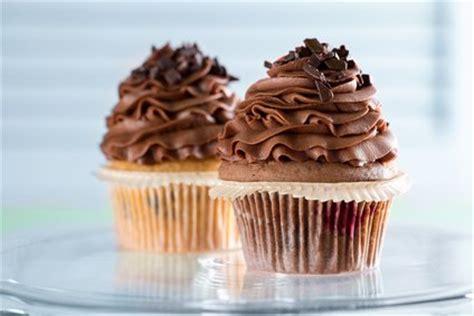schoko cupcakes rezept kochrezepteat