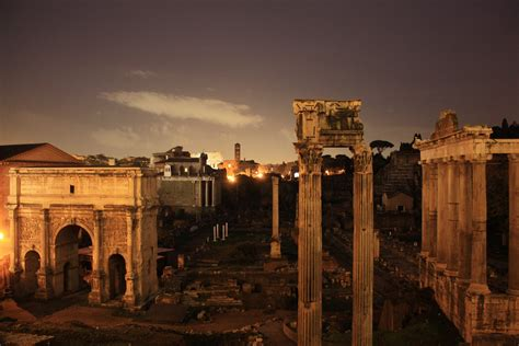 Roman Forum - Ruin in Rome - Thousand Wonders