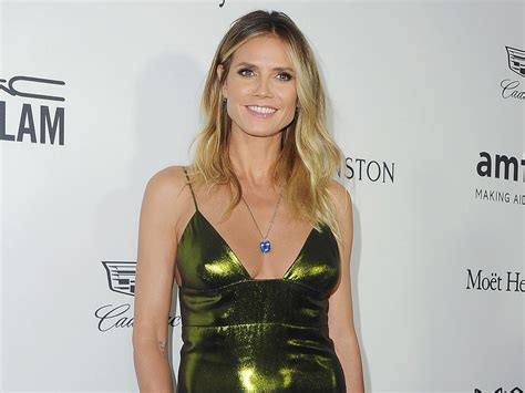 Heidi Klum Hottest Bikini Photoshoots Topless Wallpapers
