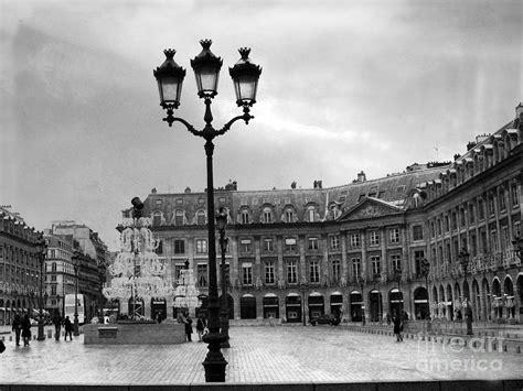 Black And White Rain Wallpaper Paris Place Vendome Street Lanterns Paris Black White Architecture Street Ls Shopping