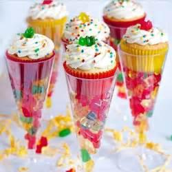 trucs et astuces de cuisine flûtes à chagne bonbons et cupcakes cuisine des
