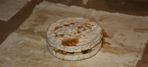 23 fromage brie avec pommes pacanes et sirop d 233 rable