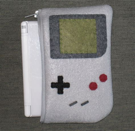 Game Boy Swallows Nintendo Ds Lite and Dsi Technabob