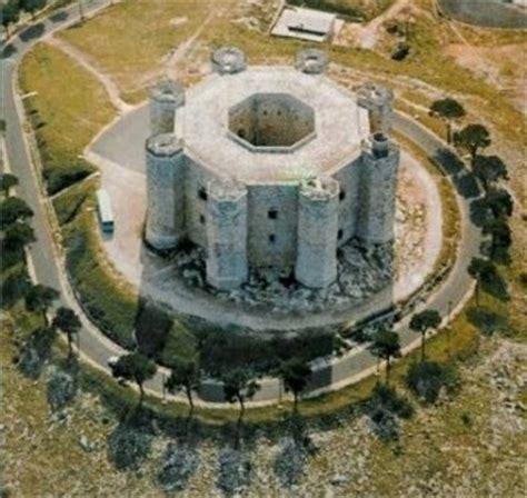 Castel Monte Interno by Miti E Leggende D Italia Castel Monte Siamo Su Http