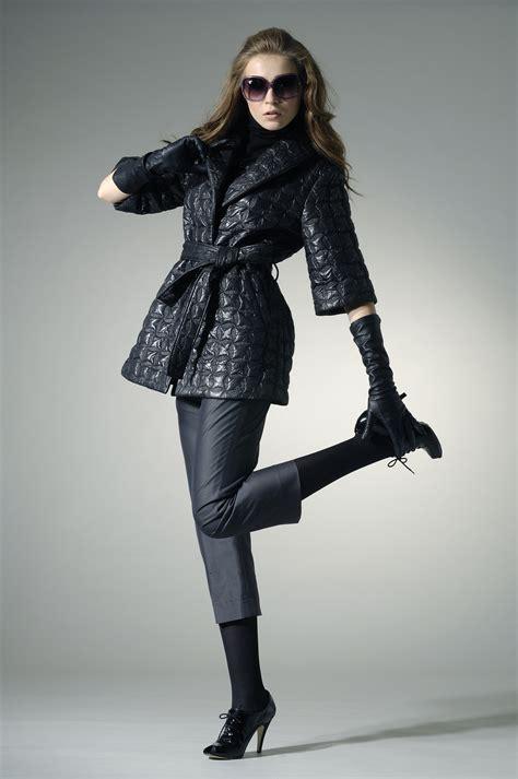 fashion model high fashion model in autumn winter clothes wearing sunglasses mi rincon de arte