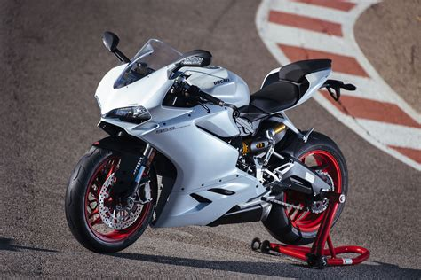 A Review Of The 2016 Ducati 959 Panigale