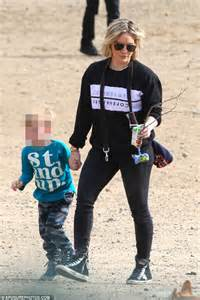 Hilary Duff takes son Luca to local dog park in Los ...