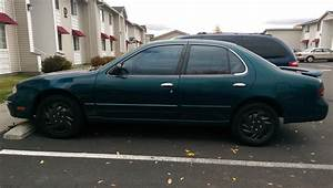 1995 Nissan Altima - Overview