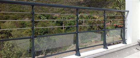 garde corps aluminium pour villa alu profil 233 s ronds panneaux verre feuillet 233 t 244 le aluminium