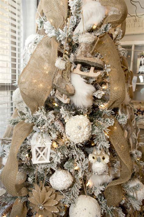 holiday mantel  tree decor   printables