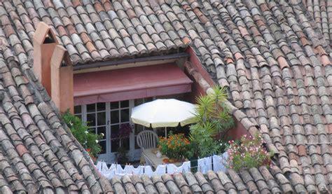balkon im dach dach f 252 r den balkon 187 was sie dabei bedenken sollten