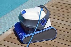 Robot Piscine Electrique : robot lectrique pour piscine dolphin s200 ~ Melissatoandfro.com Idées de Décoration