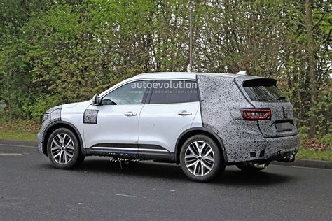 renault koleos facelift spied    fixed
