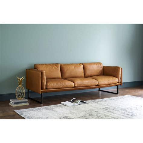 divano 4 posti divano 4 posti in pelle color cognac wolfgang maisons du