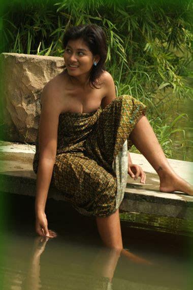 teras blog sang gadis pun mandi di sungai