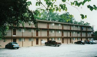 armstrong court apartment  auburn al