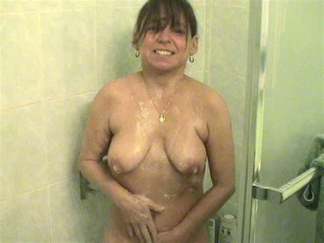 Just A Freaky And Ugly Amateur Milfie Bitch In The Shower