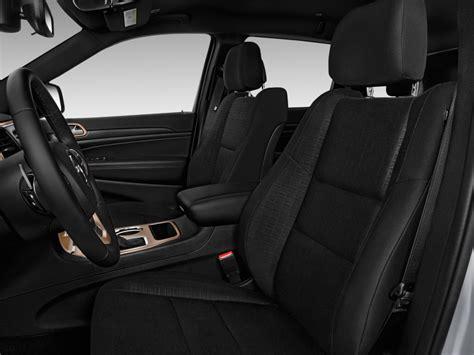 jeep grand cherokee laredo interior 2017 image 2017 jeep grand cherokee laredo 4x2 front seats