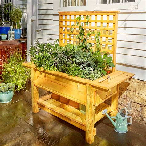outdoor woodworking projects  beginners  family handyman