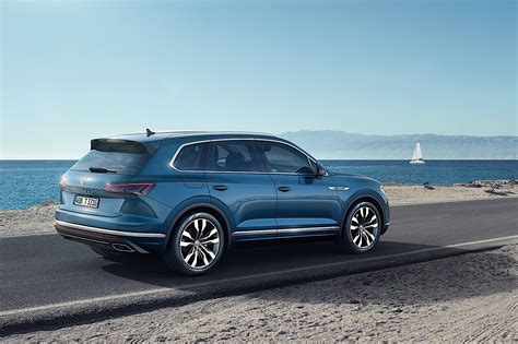 2018 Volkswagen Touareg Breaks Cover In China