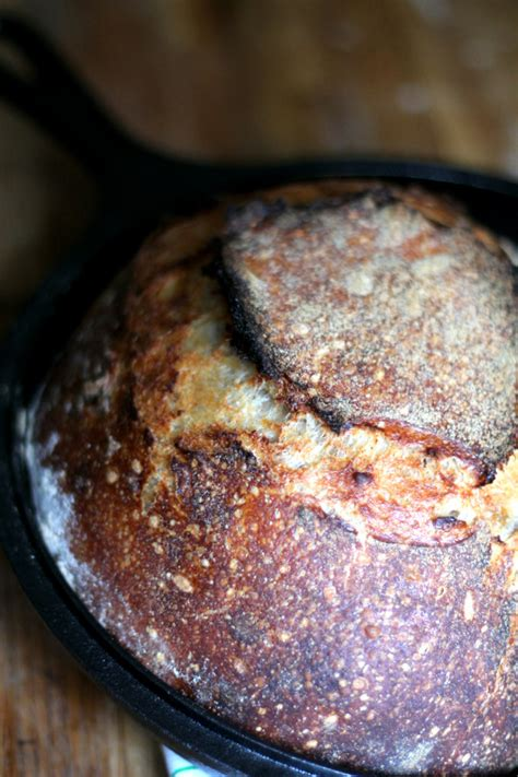 bread sourdough bake starter step crust crackly phickle crispy tartine steam baking minutes comes iron cast using