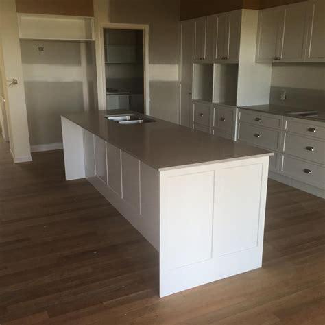 kitchen designs hervey bay  hamptons style kitchen