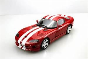 Dodge Viper Gts : ls collectibles dodge viper gts 2002 1 18 red ls016b ~ Medecine-chirurgie-esthetiques.com Avis de Voitures