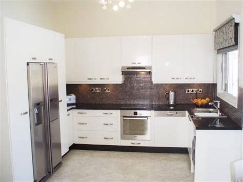 white kitchen cabinets from lowes the interior design