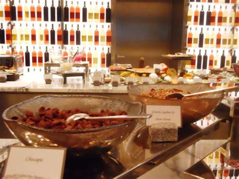 restaurant la cuisine royal monceau quot brunch quot quot buffet set up buffet set up for brunch at la
