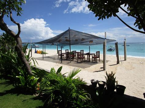 Best Price On Yogi Beach Bungalow & Restaurant Lembongan
