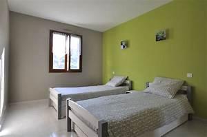 chambre n 3 de la location en meuble de tourisme a menton With chambre grise et verte