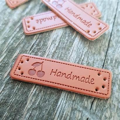Handmade Merkki Leather Lankakaappi Label Cherry Piece