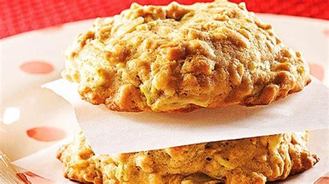 cuisiner d avoine biscuits tendres à l 39 avoine et aux trois fruits recettes de cuisine trucs et conseils canal vie
