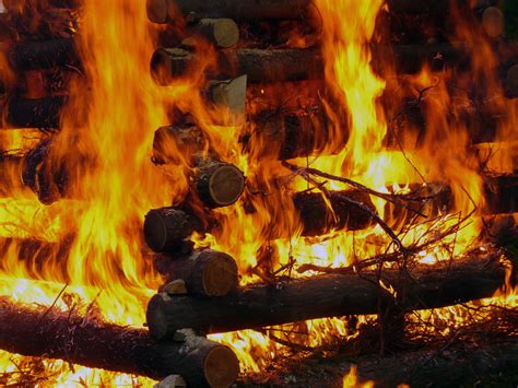 Burning wood   Free Stock Photos ::: LibreShot