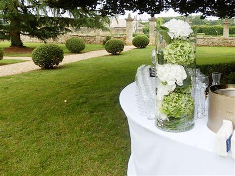 une d 233 coration florale de mariage au milieu des vignes