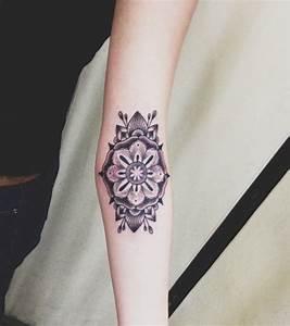 Mandala Tattoo Unterarm : foto unterarm tattoo muster ~ Frokenaadalensverden.com Haus und Dekorationen