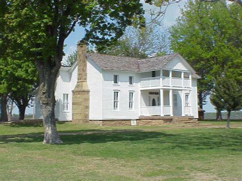 blake shelton oklahoma birthplace dog iron ranch wikipedia