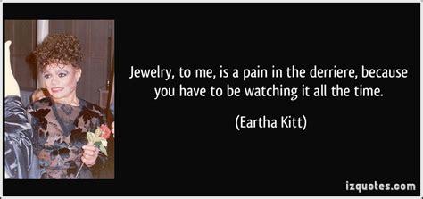 jewelry     pain   derriere
