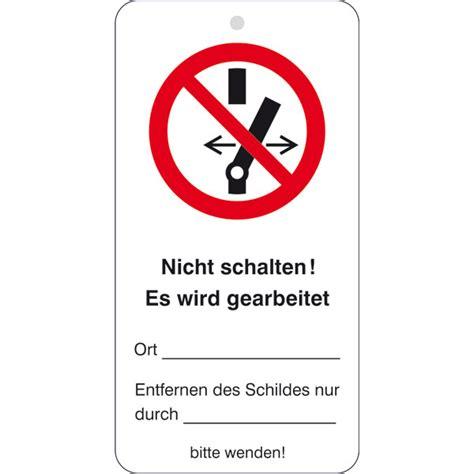 Wartungsanhänger Mit Sicherheitszeichen Nicht Schalten! Es