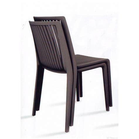 chaise en plastique chaise design plastique cool et chaises plastique design
