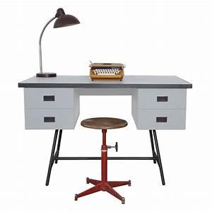 Bureau Enfant Garcon : bureau l50 gris clair laurette pour chambre enfant les enfants du design ~ Teatrodelosmanantiales.com Idées de Décoration